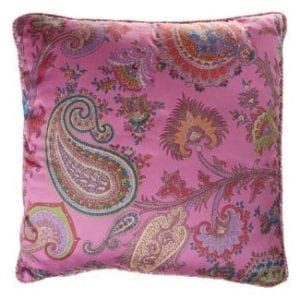 Sierkussen paisley roze met multicolor piping